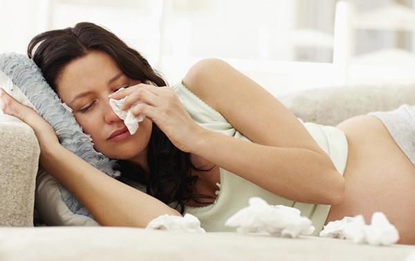 Bà bầu bị viêm xoang có ảnh hưởng tới thai nhi không?