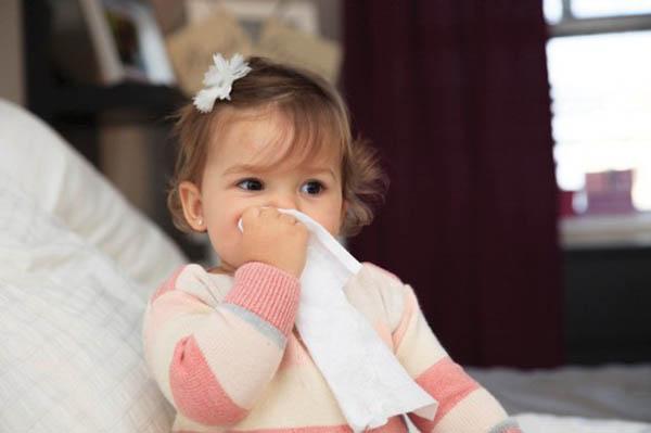 Trẻ bị viêm mũi dị ứng - Cách chữa viêm mũi dị ứng ở trẻ em
