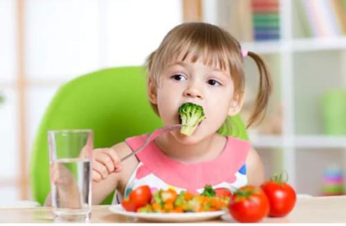 ngăn ngừa bệnh táo bón ở trẻ