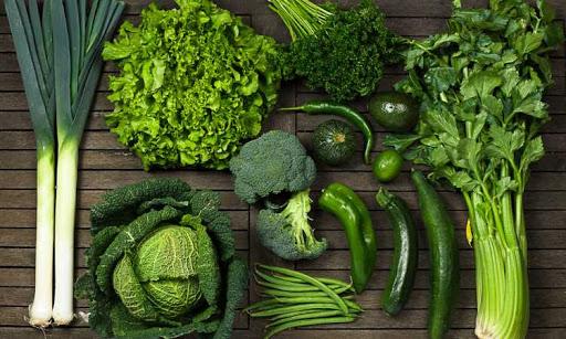 bị thoái hóa khớp gối nên ăn rau xanh đậm