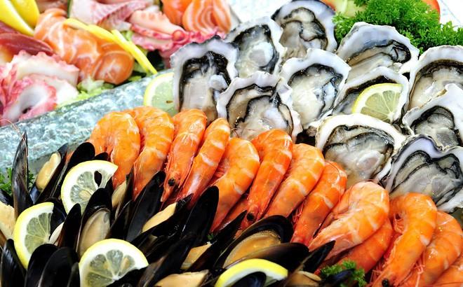 đau thần kinh tọa kiêng ăn hải sản