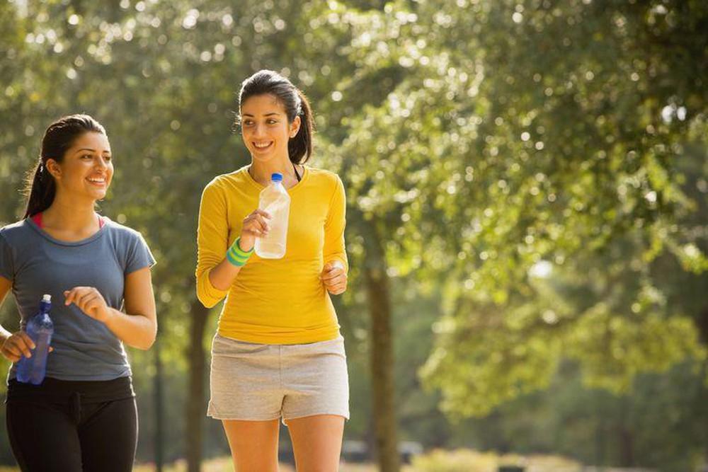 đi bộ rất tốt cho bệnh đau thần kinh tọa