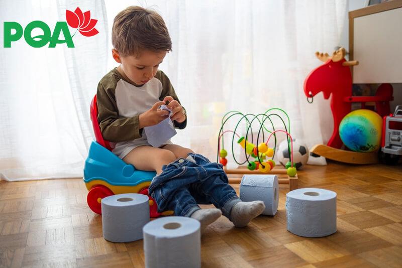 Trẻ em bị táo bón: Nguyên nhân, dấu hiệu và cách phòng ngừa hiệu quả