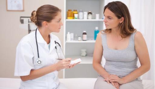 thăm khám để biết chính xác tình trang bệnh sa tử cung