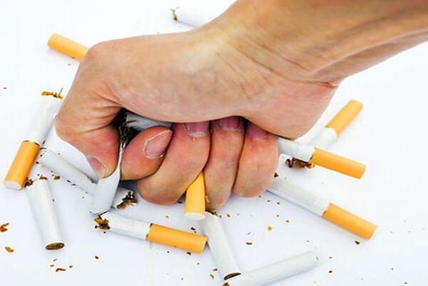 Cai thuốc lá hoàn toàn hỗ trợ điều trị COPD hiệu quả hơn