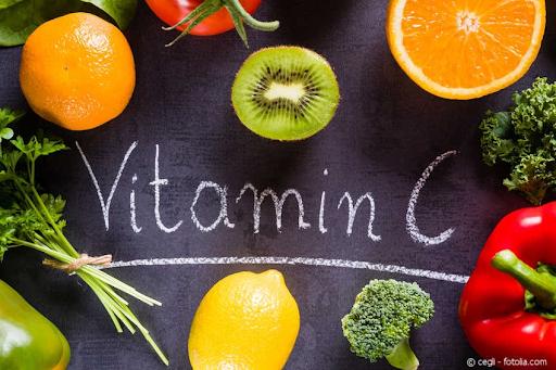 viêm mũi dị ứng nên ăn hoa quả nhiều vitamin c