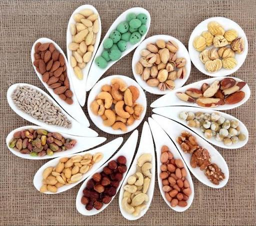 viêm mũi dị ứng nên ăn các loại hạt
