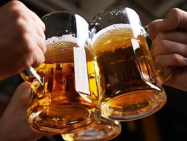 bị hen suyễn nên kiêng rượu bia và các chất kích thích
