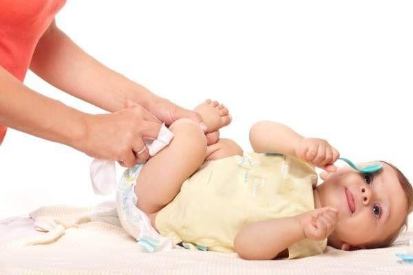 Cách thụt hậu môn cho bé sơ sinh bị táo bón