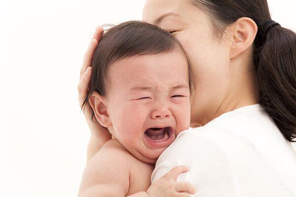Dấu hiệu bị táo bón ở trẻ sơ sinh