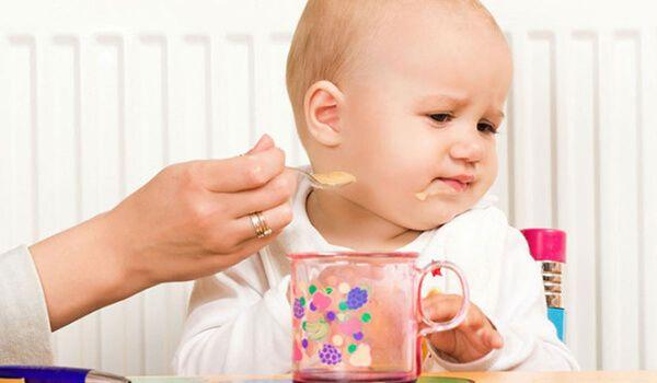 Dấu hiệu táo bón ở trẻ em