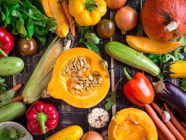 Cải thiện táo bón đi ngoài ra máu tươi bằng chế độ ăn giàu chất xơ