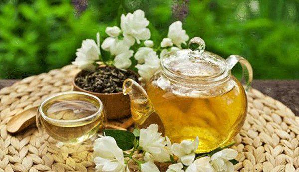 Chữa mất ngủ bằng trà hoa nhài mật ong