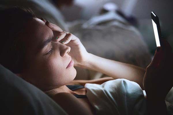 Hiện tượng mất ngủ kéo dài là gì?