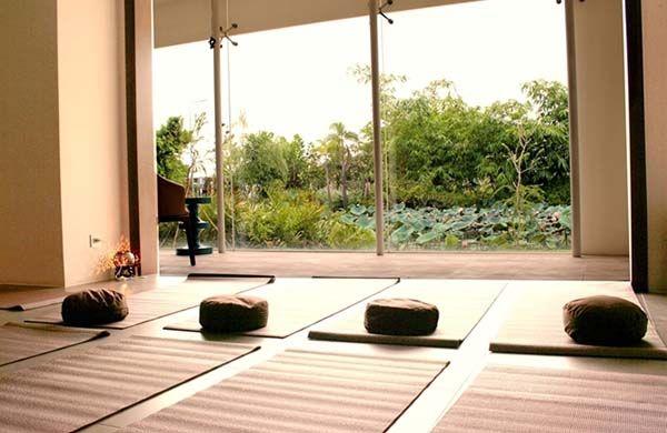 Lựa chọn không gian ngồi thiền yên tĩnh, tạo cảm giác tập trung, thư giãn