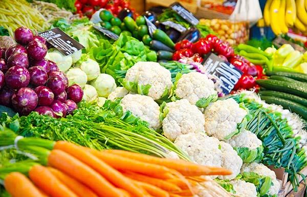 Bổ sung rau quả vào chế độ ăn của người COPD