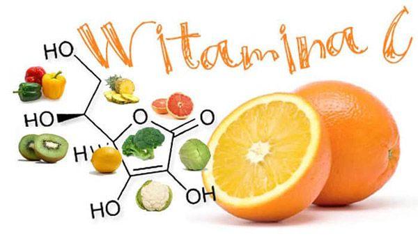 Bổ sung vitamin C cho bé chảy máu chân răng