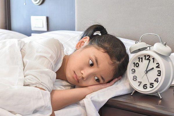 Dấu hiệu trẻ em bị mất ngủ