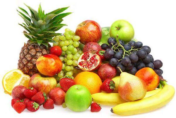 Trẻ bị chảy máu cam nên bổ sung hoa quả