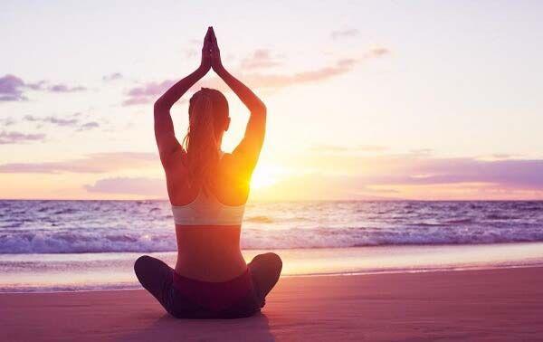 Công dụng thần kỳ của yoga chữa mất ngủ