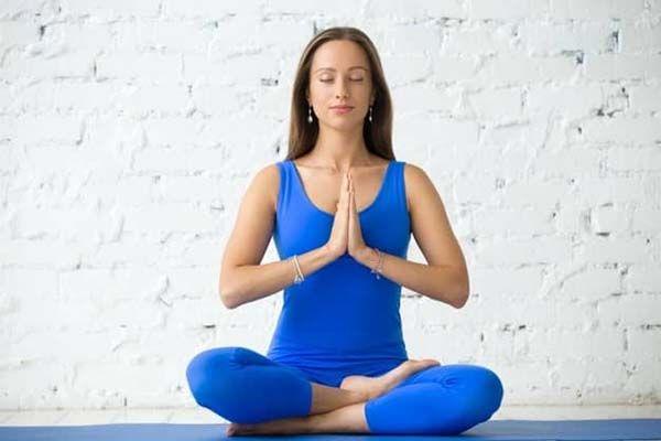 Tư thế yoga ngọn lửa giúp thư giãn cơ thể, làm dịu thần kinh