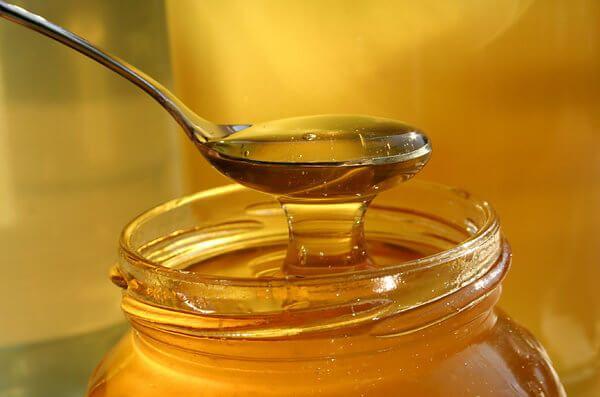Mật ong trị táo bón cho trẻ sơ sinh