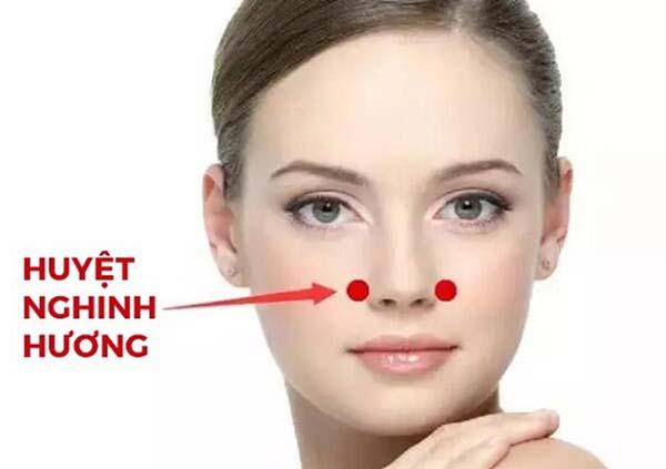 Bấm huyệt nghinh hương chữa viêm mũi dị ứng