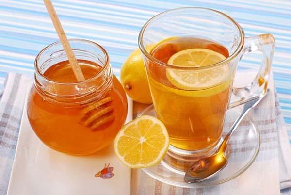 Chữa viêm amidan bằng mật ong và chanh