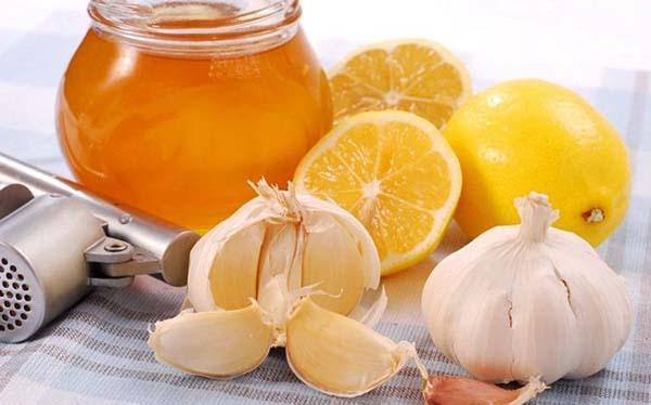Chữa viêm xoang bằng tỏi và mật ong