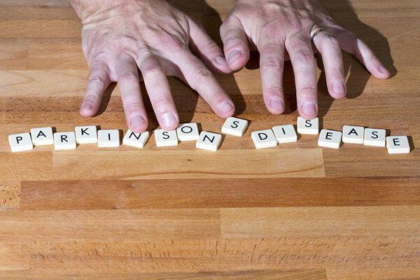 Nguyên nhân gây bệnh Parkinson là gì?