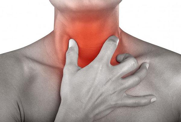 Đau họng do viêm amidan cấp tính