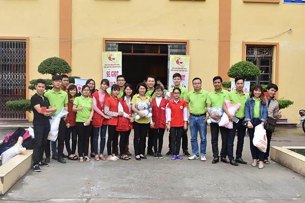 Tập thể cán bộ PQA trong chương trình hiến máu tình nguyện của tỉnh Nam Định
