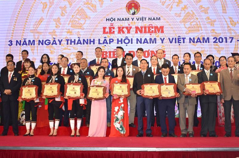 """Kỷ niệm 3 năm thành lập Hội Nam Y Việt Nam """"Viết tiếp chặng đường Lương y như từ mẫu"""""""