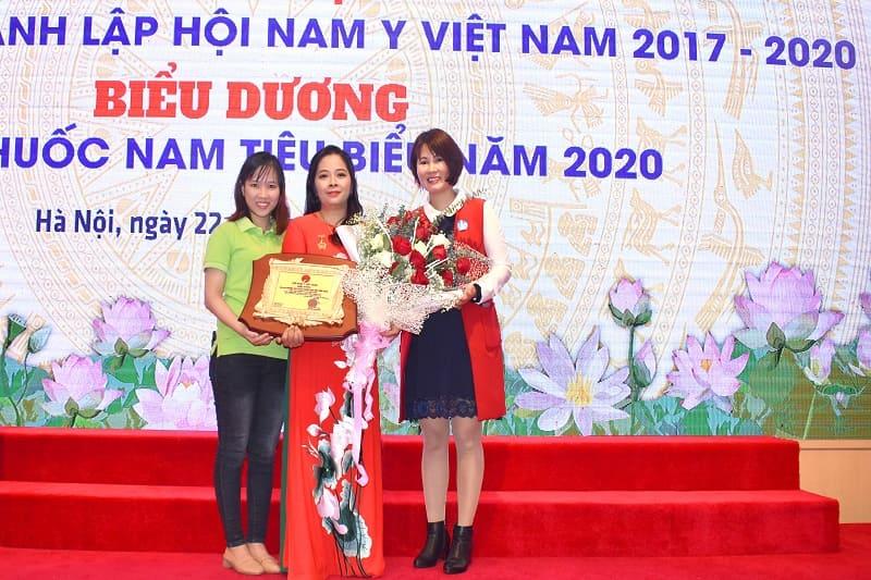 Giải thưởng doanh nghiệp sản xuất thuốc nam tiêu biểu