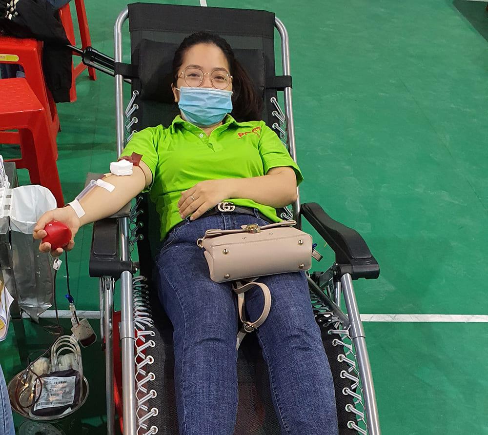 giám đốc dược phẩm pqa tham gia hiến máu